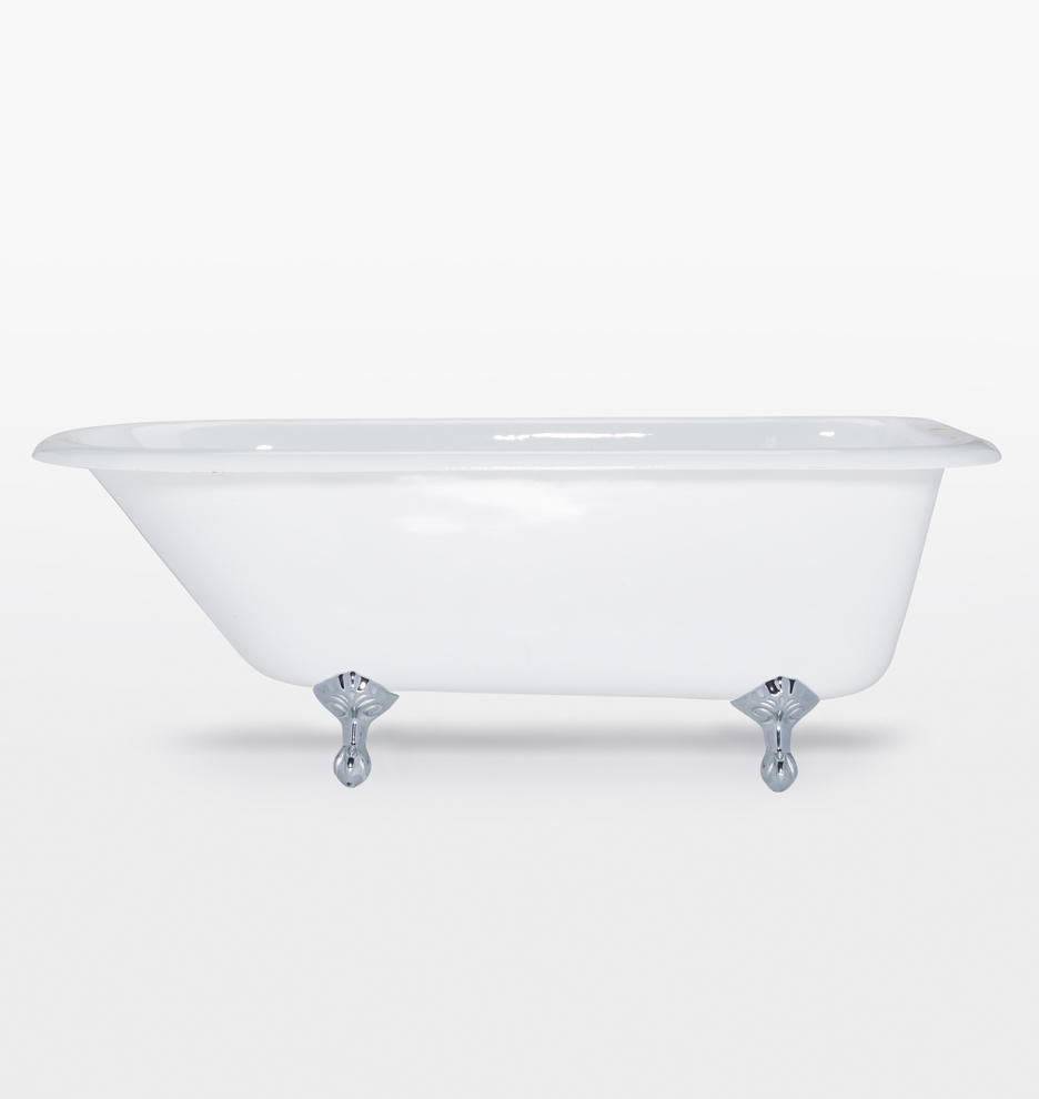 5 Clawfoot Tub With White Exterior Rejuvenation