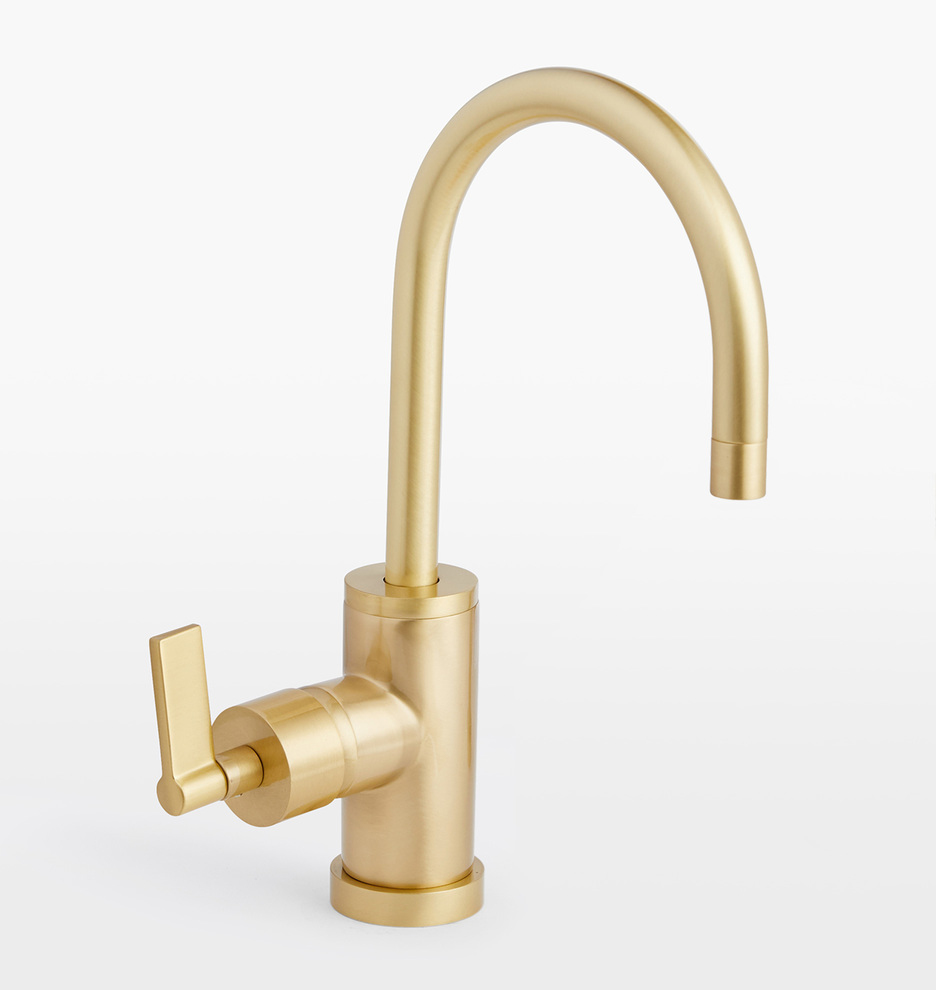 West Slope Lever Handle Single Hole Kitchen Faucet