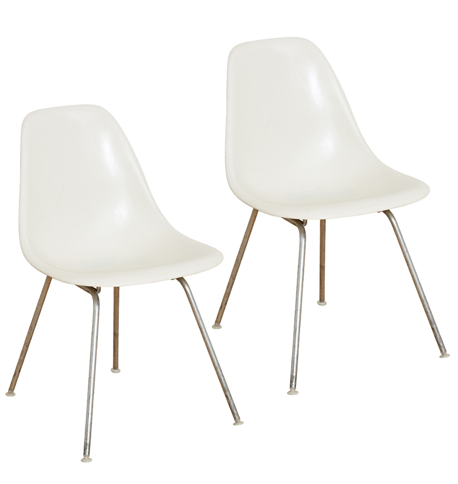 White Miller Herman By Pair Of Shell Eames Fiberglass Chairs f76vIYbgym