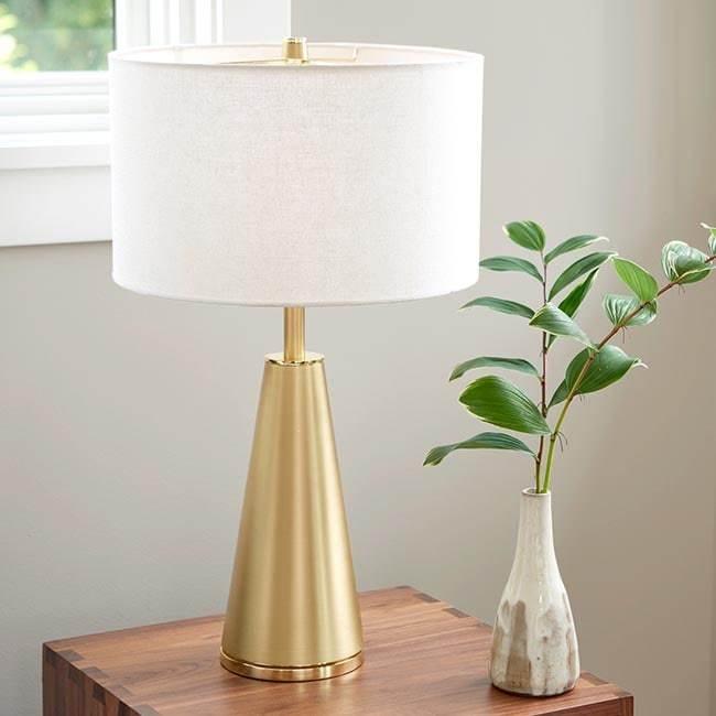 09 pd holcombtablelamp dec13 2019 650x650