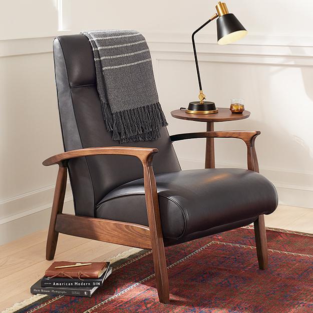 Q12020 livingroom new lp default nav upholstered chairs2